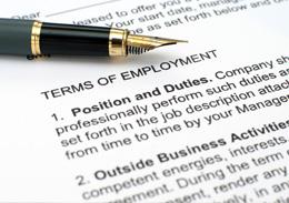 סקירה מקצועית - העסקת עובדים זרים